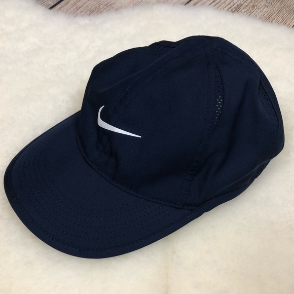 5a28f12961d01d Nike Accessories | Golf Womens Featherlight Drifit Cap Navy | Poshmark